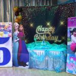 Frozen themed main table with personalized banner